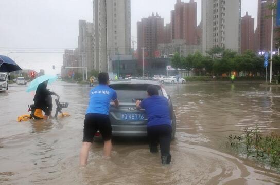 河南商丘保险业:暴雨中传递温暖_保险超市_互联网保险